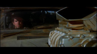 Mad Max poursuit sa route à bord de l'Interceptor